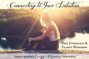 NEW FREEBIE! 9 WAYS TO CONNECT WITH YOUR INTUITION